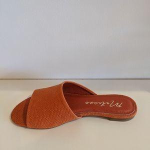 Lira Sandal in Orange